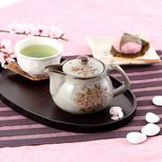 お茶はもちろん紅茶にも利用できる  九谷焼【多用途急須】しだれ桜 大【裏絵】