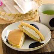 もちもちの中は濃厚クリーム餡たっぷり〈 もち・de・ら 〉10ヶセット   秀清堂・愛知県