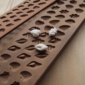 木型を使ったラムネ菓子