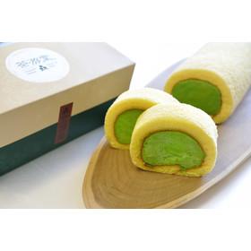 京都・宇治の石臼挽き抹茶【濃茶】使用の本格派抹茶ロールケーキです。